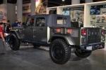המשטרה האמריקאית פושטת על יצרני אביזרי רכב ושיפורי רכב סיניים בתערוכת SEMA. הזדמנות ללכוד את יצרני חלפי הרכב המזוייפים. צילום: SEMA