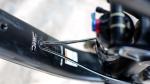 מבחן אופניים Trek Fuel EX 8 2017. השלדה החדשה מאפשר כמה דריכם לנתב דרכה את הכבלים. חכם. צילום: תומר פדר