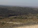 טיול שטח משדה משה לאמציה דרך מערות מסתור, שדות פתוחים, כרמי זיתים והמון היסטוריה. צילום: רוני נאק