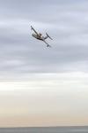 """מטוס כיבוי ברייב BE200 מדגים מול חוף מנדרין -עם ביצועים \""""סילוניים\"""" מגוון המשימות מאד רחב צילום פז בר"""