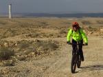 מבחן אופניים מרידה ביג טרייל 800. טיפוסים ארוכים ומתמשכים יוציאם את כל מה שלא טוב באופניים הללו. משקל עצמי כביר, התנגדול לגלגול של הצמיגים וגלגלים קדמי שממהר לעלות לאוויר במעלה תלול. צילום: רוני נאק