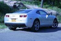 """שברולט קאמרו. השכרת רכב אקזוטי בחו\""""ל היא הזדמנות לנהוג בפלדה שלא מגיעה אלינו באופן סדיר . צילום: טל אבן"""