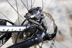 """מבחן אופניים cannondale trigger 4. מעצורי SLX עם דיסקים 180 מ""""מ ורפידות ICE בשני הצדדים. חסרה לי מעט עוצמה בקדמי אבל חוצמזה היו נהדרים. צילום: תומר פדר"""