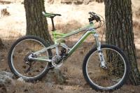 מבחן אופני הרים, קנונדייל ג\'אקיל 2012. חתיך ומאובזר. אופני פרימיום עם מיטב האביזרים, מחלפות קרבון ותג מחיר של 30 אלף שקלים. צילום: פז בר