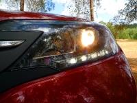 מבחן רכב הונדה CR-V. פנסי הלוגן ראשיים ותאורת LED בחזית ומאחור. הגרסה היקרה יותר מצויידת בקסנון. צילום: פז בר