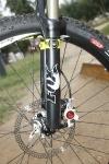 אופני הרים במבחן שטח. מזלג FOX TALAS יודע את העבודה ומאפשר מבחר של שלושה אורכי מהלך שונים . צילום: פז בר