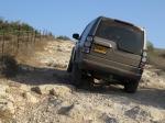 מבחן רכב לנד רובר דיסקברי 4 SDV. מעלה מדורג, עם דרדרת ובורות? יש כפתור לזה! צילום: רוני נאק