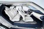 לנד רובר חושפת את משפחת דיסקברי שתוצג כמודל 2015. כבר לא דגם יחיד אלא משפחה של רכבי שטח עתירת טכנולוגיה. צילום: לנדרובר