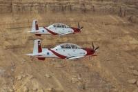 מטוס העפרוני נבחן על ידי חילות אוויר רבים בתפקידי סיוע לכוחות קרקע - גם לתקיפה צילום: דו