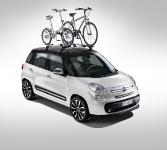 השקה פיאט 500L. זה כלל ידוע שאופניים משפרים כל מכונית - אז הנה. מתחת לאופניים תמצאו גג פנורמי ענקי