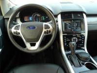 פורד אדג\' 2011 במבחן שטח. סביבתת הנהג ותא הנוסעים משופרים ללא היכר מול הדגם היוצא צילום פז בר