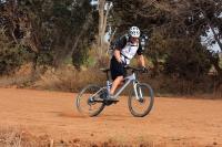 מבחן אופניים Ghost ASX4900. אופני כניסה עם שיכוך מלא. גיאומטריה סלחנית ותמוכות שרשרת ארוכות יוצרים דריפטים נשלטים ומענגים. צילום: רמי גלבוע