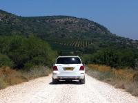 מבחן רכב מרצדס GLK. על השביל ברכס רמים - איבוזר וכוח מוגברים תג מחיר מופחת. הנעה כפולה יעילה מאד ומזגן מקפיא! צילום: רוני נאק