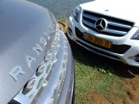 מבחן רכב מרצדס GLK. ריינג\' רובר מול מרצדס, אנגליה מול גרמניה, הבדלים מהותיים בקונפסט ובביצוע - וגם פער של 100 אלף שקלים. צילום: רוני נאק