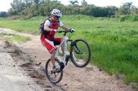 מבחן אופניים GT Avalanche 4.0. גם בזול אפשר ליהנות - משקל עצמי סביר חלוקת משקל מאוזנת. צילום: פז בר