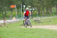 מבחן אופניים GT KARAKORAM. דיווש אגרסיבי בעמידה יגלה פיתול של החזית ותאוצה לא מאד מהירה עד לקצב שיוט מהיר. צילום: פז בר