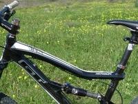אופני הרים במבחן שטח. GT sensor 9r expert. שלדה מאלומיניום 6061 קשיחה אך גם נאה. צילום: פז בר