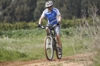 אופני הרים במבחן שטח. GT sensor 9r expert. שביל פתוח הם כר המרעה המועדף צילום: פז בר