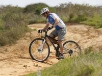 אופני הרים במבחן שטח. GT sensor 9r expert. נחיתה קצרה? המרזוקי יאכלו את זה צילום: פז בר