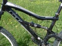אופני הרים במבחן שטח. GT sensor 9r expert. בולם פוקס RL ואיבזור היפקי מסינקרוס צילום: פז בר