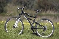 אופני הרים במבחן שטח. GT sensor 9r expert. שחור הוא הצבע - לבנים הם הג'נטים צילום: פז בר