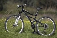 אופני הרים במבחן שטח. GT sensor 9r expert. שחור הוא הלבן החדש - תמורה נאה מאד לכסף צילום: פז בר
