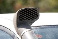 מיצובישי האנטר משופר גתוס במבחן דרכים. שנורקל TJM הוא הדרך היעילה ביותר להרחיק אבק ממערכת היניקה. צילום: פז בר