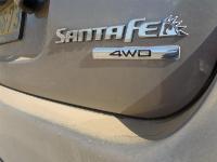 יונדאי סנטה פה 2012 במבחן שטח. השטח עושה לה טוב. כמו רכבי פנאי ושטח רבים אחרים גם היונדאי סנטה פה בעלת הנעה כפולה קבועה. צילום: פז בר