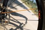 מבחן אופניים ק.ט.מ אולטרה 1964 לימטד אדישן. שפיץ אחד כתום בטוב טעם. צילום: תומר פדר