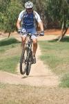אופני הרים במבחן שטח. ק.ט.מ. לייקן משלבות מהירות ויכות ספיגה של מתלי FOX מעולים צילום: פז ברstom)