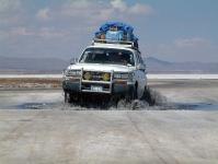 מבט היסטורי טויטה לנדקרוזר 80. הגרסה הבוליביאנית, מובילה תרמילאים במדבריות המלח צילום: רמי גלבוע