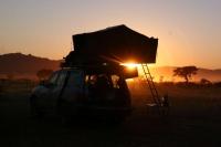 מבט היסטורי טויוטה לנדקרוזר 80. ארבעה שבועות נדדתי באפריקה על לנד קרוזר קשיש, איזו מכונת טיולים! צילום: רמי גלבוע