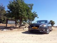 בייקמוביל מאזדה 3 החדשה. כלי רכב נאה - מזכיר גרסה מכווצת של ה-6 הגדולה. צילום: רוני נאק