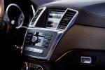 מבחן רכב מרצדס GL350AMG. פרימיום אמיתי עם יכולת שטח של ממש, נימוסי כביש ראויים, טווח נסיעה של 1,000 קילומטרים ותג מחיר בהתאם. צילומים: DAIMLER, רוני נאק