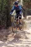 מבחן אופניים מרידה ביג 7 2014. יכולת טובה להתגלגל על מכשולים כמו זה. אפשר גם לקפוץ. צילום: פז בר