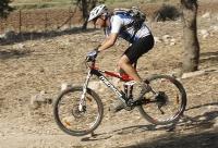 מבחן אופניים מרידה 140 XT. מומלץ להשקיע בסט-אפ של המתלים בתמורה הם יזלול אבנים ושיבושים באופן מרשים. צילום: פז בר