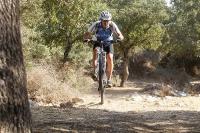 מבחן אופניים מרידה 140 XT. חלוקת משקל אחורית (בולט יותר במצב 140 מ
