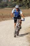 מבחן אופניים מרידה 140 XT. סיבוב מהיר של ברז קיצור המהלך במזלג FOX טאלאס, משנה בחדות את האופי של האופניים. צילום: פז בר