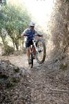 מבחן אופניים מרידה 140 XT. אנדורו! גם אם  לפעמים קשה לגלגל הקדמי למצא אחיזה בטיפוס - אפשר לעבוד סביב זה עם תנוחת רכיבה נכונה וקיצור מהלך המזלג ל-100 מ