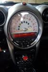מבחן רכב מיני קאנטרימן קופר ספייס. גרסת הכניסה של מיני קאנטרימן קופר במחיר 180,000 שקלים. כל המראה של מיני פחות מנוע. שילוב מקסים של רטרו ומודרני. צילום: פז בר