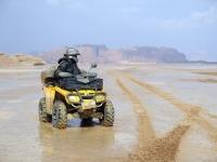 מסע לירדן עם מועדון שטח ופנאי של עופר אבניר וטריפ טרקטורונים - הוביל עופר אוגש מאתר השטח. צילום: רוני נאק