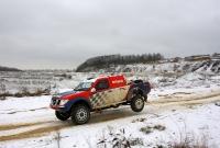 ניסן נאוורה בשטח ממהר בשלג צילום: WILLY WEYENS