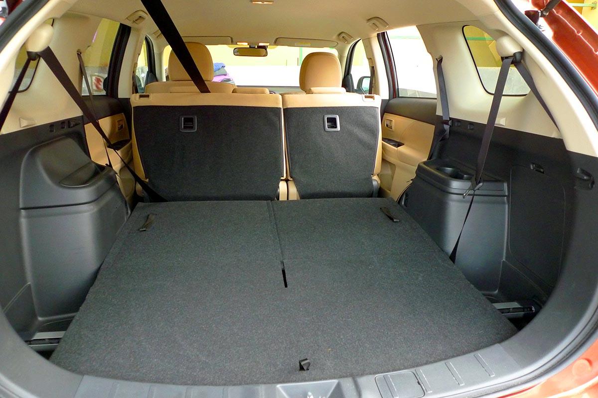 מצטיין מיצובישי אאוטלנדר   מבחן רכב   שבעה מושבים   כלמוביל   4X4   2013 WE-72