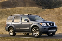2011_nissan_pathfinder_01-medium