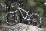 """מבחן אופניים rocky mountain altitude 750. מוצר פרימיום במחיר פרימיום. ובכ""""ז היינו רוצים גם מוט מושב הידראולי ורמת רכיבים מקומה גבוהה יותר. צילום: תומר פדר"""