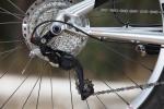 מבחן אופניים rocky mountain altitude 750. מעביר אחורי שימאנו XT עם מצמד - שידרוג לשנת המודל 2014 - פוקד על קסטה בת עשרה הילוכים. לא פספס העברה בכל ימי המבחן. צילום: תומר פדר