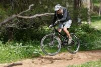 מבחן אופניים סנטה קרוז סופרלייט 29. מותג עילית במחיר מופחת ועם יכולת מעוררת למהירות מהוללת. היבואן מצמן את מירוץ. צילום: פז בר (7)