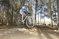 אופני סגל במבחן שטח. קלים מהאוויר - לאופני הרים עם שלדת מגנזיום תגובת דיווש חדה וזמן אוויר נאה צילום: פז בר