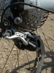 אופני סגל במבחן שטח. מעביר שרשרת אחורי XT אמור לתת עמידות סדרת רכיבים גבוהה יותר תתן אחידות לאופני ההרים האלו צילום: פז בר