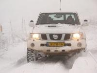 4X4 בשלג. למסע שלג צריך לצאת עם כמה רכבי שטח משופרים, עם נהגים מיומנים וסבלניים. צילום: רמי גלבוע